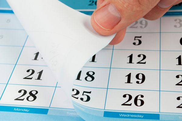https://admissions.carleton.ca/wp-content/themes/theme-admissions-2020/assets/images/pre-built/desktop-calendar.jpg