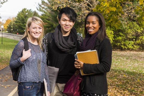 Students on Carleton University campus
